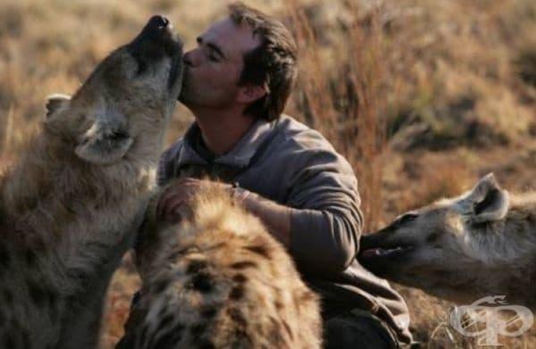 Кевин Ричардсън – Царят на лъвовете. Южноафриканецът е самоук възпитател на животни от дивата природа. Известен е със своите близки отношения и безстрашен подход към хищници – лъвове, хиени, тигри...