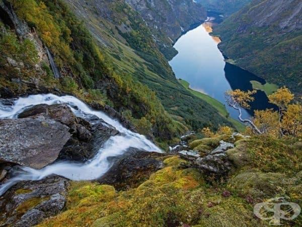 Фиорд, Западна Норвегия. (Снимка: Ерленд Хаарберг)