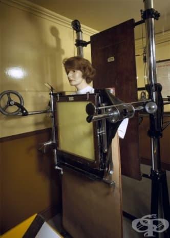 Рентгенов апарат от 1930 година