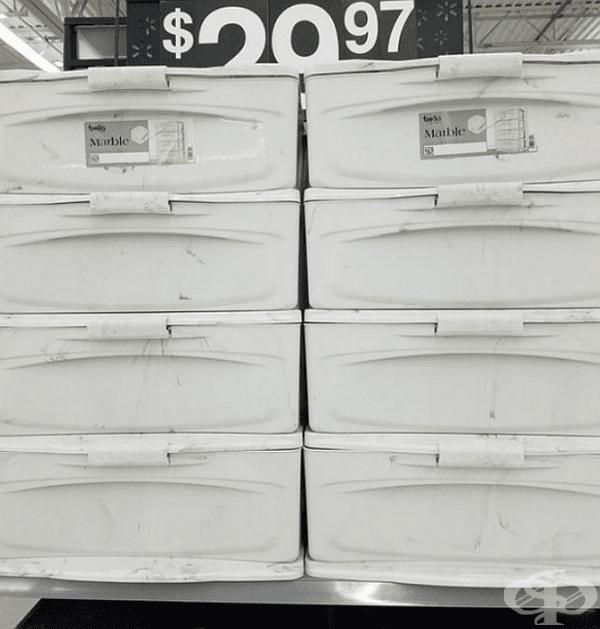 Това не са мръсни контейнери. Това е техният дизайн.