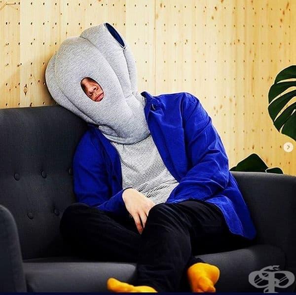 С подобна възглавница може да се насладите на съня на всяко място.