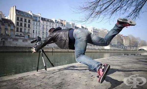 Спасете камерата от водата.