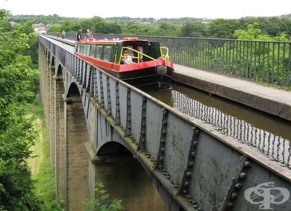 18-метров акведукт в Североизточен Уелс.