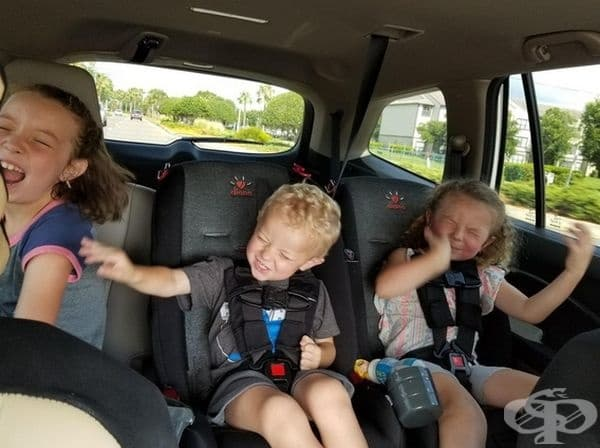 """Когато чуят """"Бохемската рапсодия"""" в колата."""