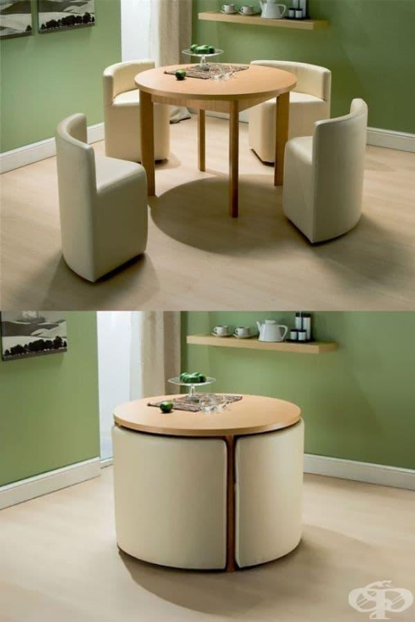 Маса за хранене и столове, които могат да се събират.