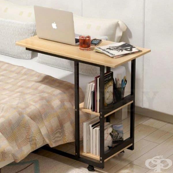 Такава маса ще ви стане любима: пиете си кафето, работите на лаптопа и си почивате в леглото.