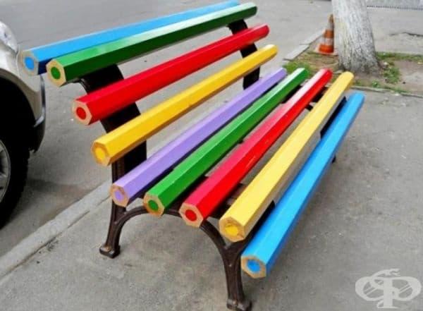 За любителите на моливи или цветове.