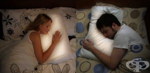 Pillow Talk - възглавница, чрез която с помощта на специален приемник ще усещате туптенето на сърцето на любимия или любимата дори и да сте на далечни разстояния. С нея няма да се чувствате самотни.