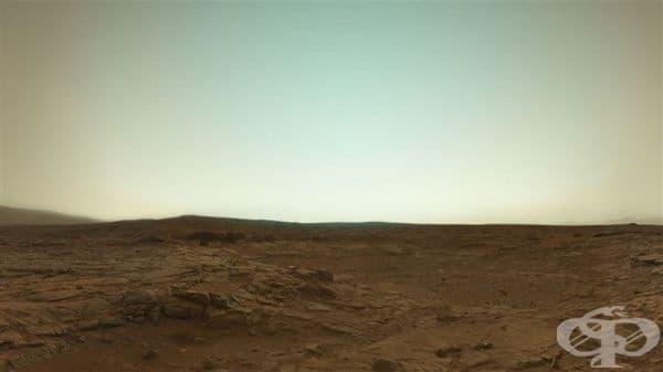 """Истинско цветно изображение на Марс, заснето от марсохода """"Curiosity""""."""