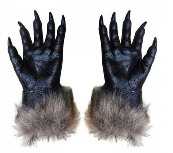 Ръкавици с маникюр.