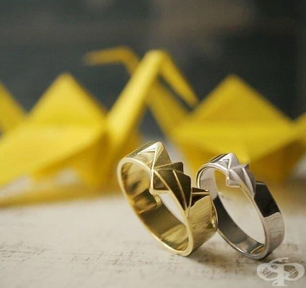 Елегантни оригами в бяло и жълто злато.
