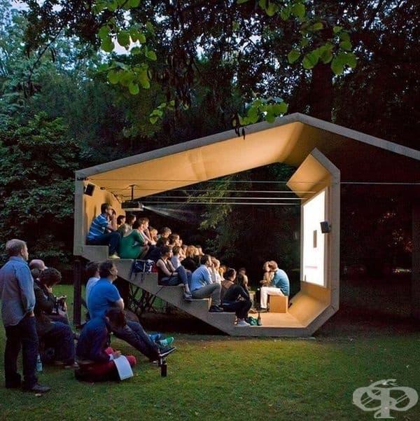 Кино в гората от Ерика Хоук.