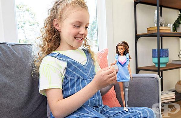 """""""Гордеем се, че Барби е най-разнообразната линия за кукли на пазара, която продължава да се развива, за да отразява по-добре света"""", коментира Лиза Макнайт, старши вицепрезидент и глобален мениджър на Barbie."""