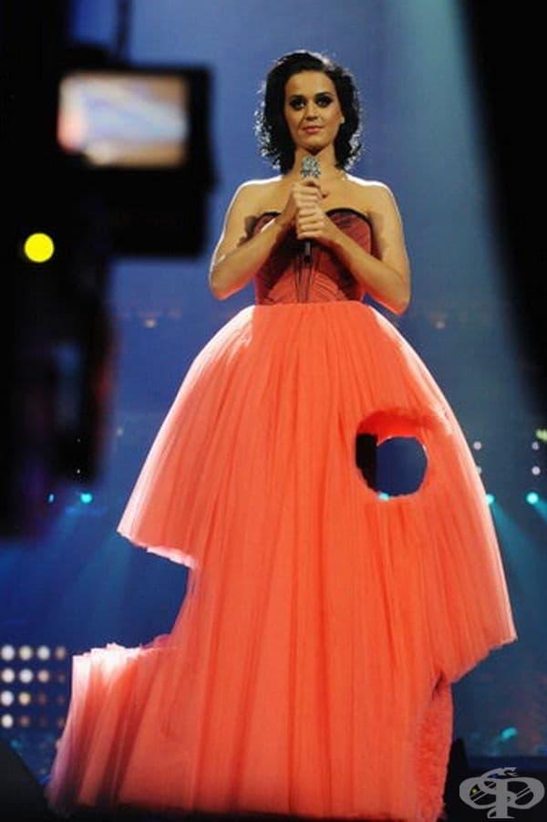 Роклята на Кейти Пери  за MTV EMA през 2009 г.