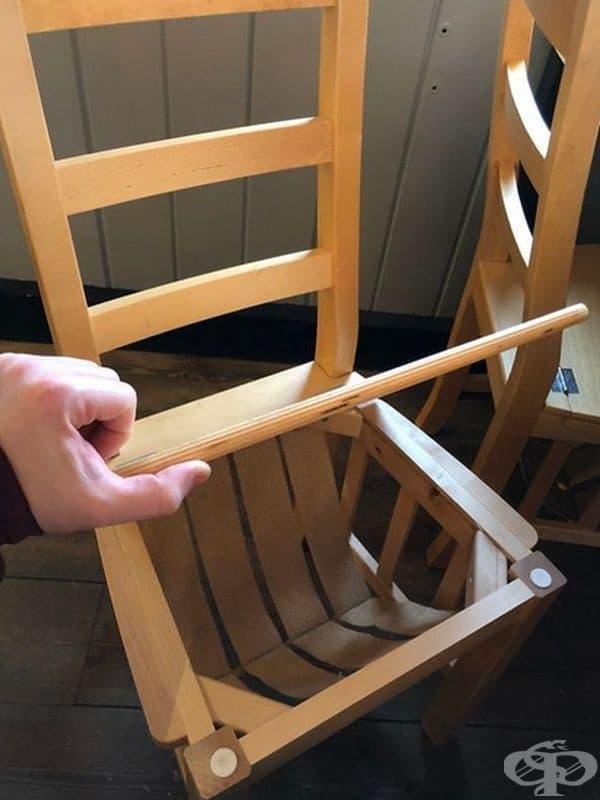 В тези столове има специално отделение за горна дреха, шапка с принадлежности или просто за списания.