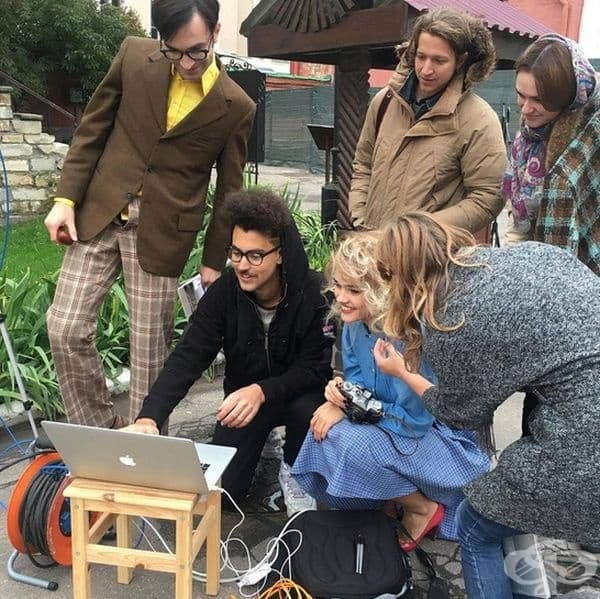 Снимачният екип в действие.