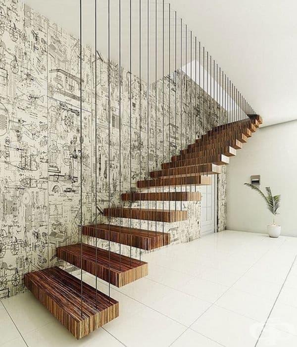 Тези стълби спестяват много пространство в малък апартамент.