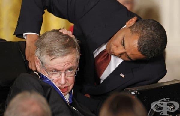 """Получава и """"Медал на свободата"""" от президента на САЩ Барак Обама."""