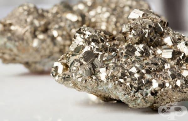 2. Калифорний - 25-27 $ милиона за гр. Най-скъпият химичен елемент някога. Той е синтезиран само веднъж след откриването му през 1950 година.