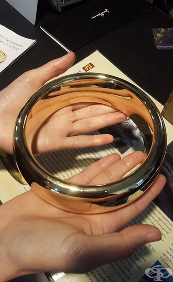 """Един от реквизитите, използвани във филма """"Властелинът на пръстените""""."""