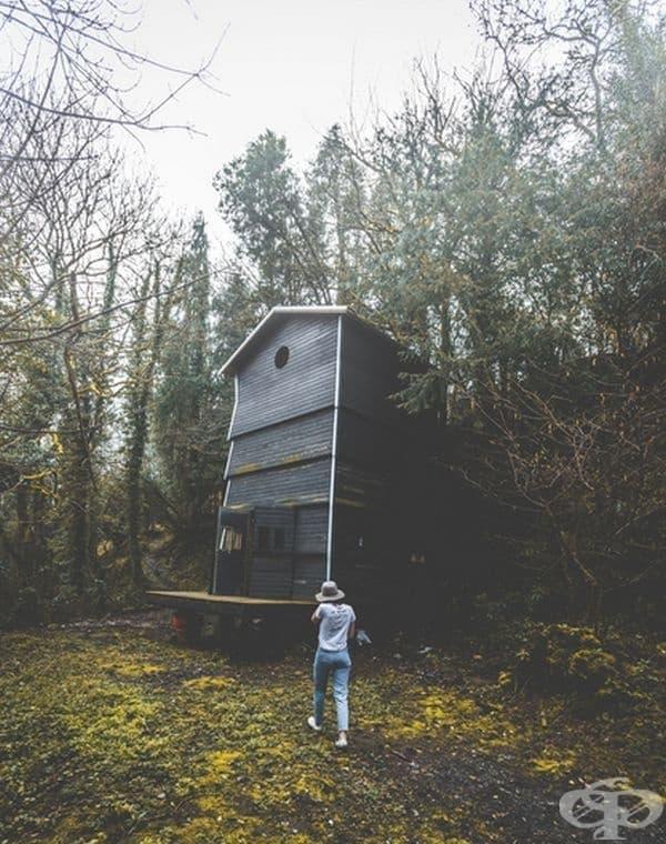 Къща сред природата в Дартмур, Великобритания.