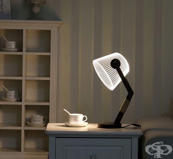 Лампа с оптична илюзия за обем, а всъщност лампата е плоска.