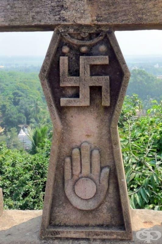 Преди да попадне в ръцете на Хитлер, свастиката е била символ на добър късмет близо 3000 години.