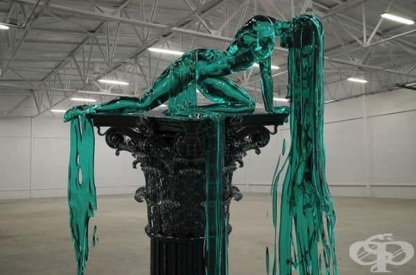 """""""Пиедестал"""": Александра Рийвс създава тази невероятна дигитална скулптура едва на 19-годишна възраст."""