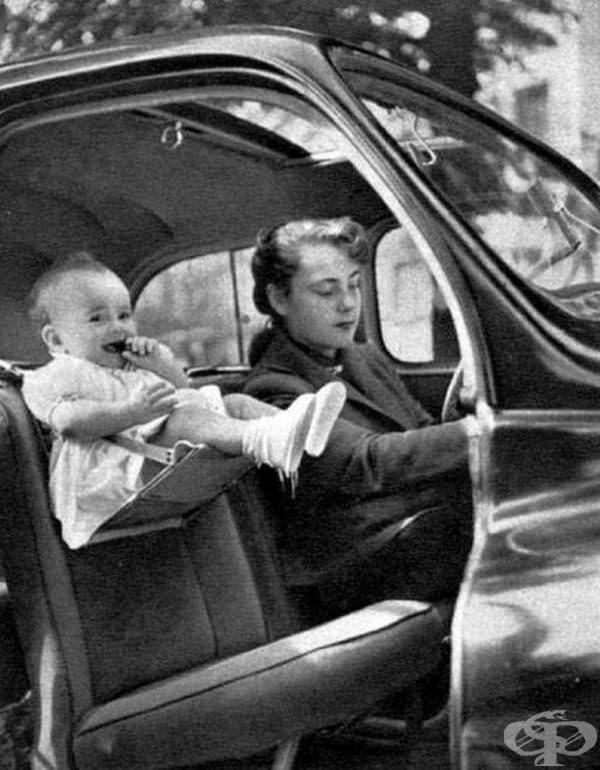 Дете в детско столче, 1940 г.
