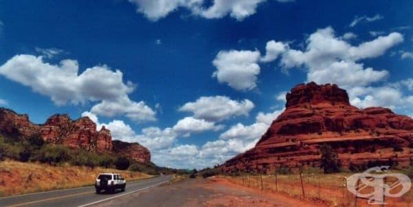 Гранд Каньон, Аризона – двупосочното разстояние от Лас Вегас и обратно е 970 км. Имайте предвид, че това е изморителна обиколка, за която ще ви трябват време и пари.
