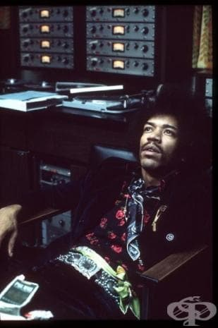 """""""Музиката не лъже. Ако има нещо, което трябва да бъде променено в този свят, то може да бъде променено единствено чрез музиката."""""""