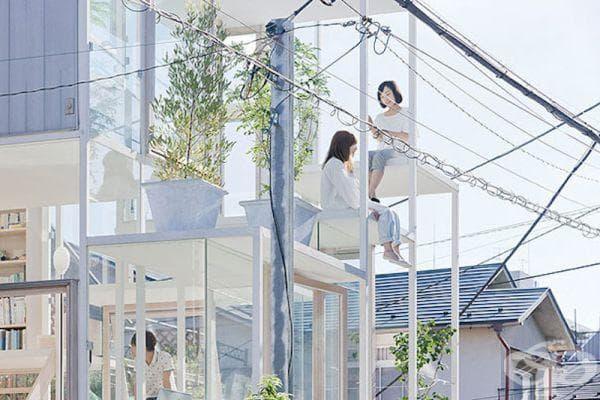 Стъклена къща в Токио