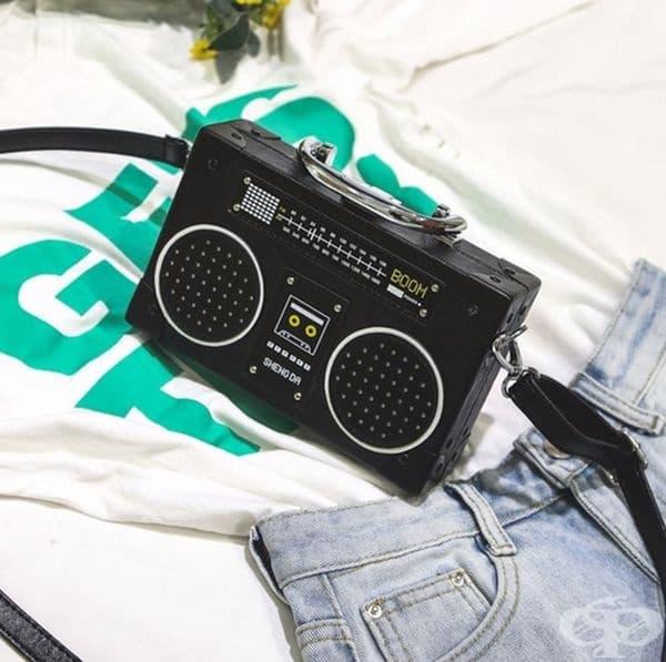 Чанта тип ретро радио.