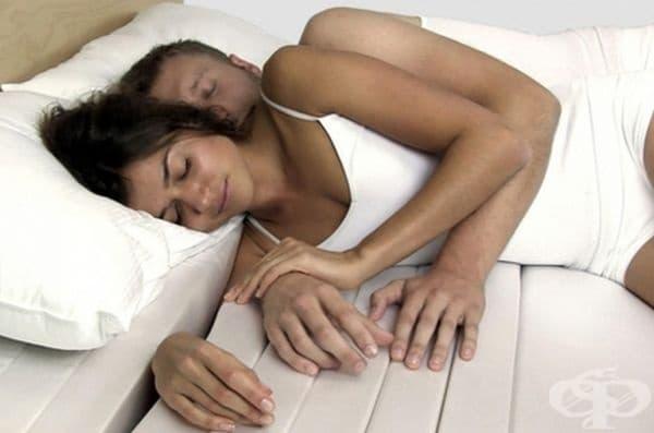Обгръщаш матрак. Удобен матрак, при който ръката ви няма да изтръпва, когато спите прегърнати.