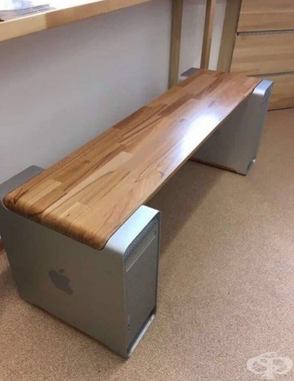 А от стари компютри може да се получи страхотна скамейка.