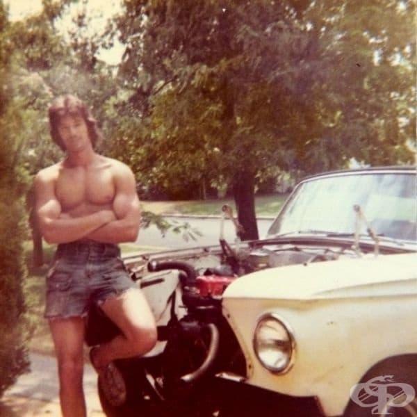 """""""Баща ми е на 18 години на тази снимка"""", 1973."""