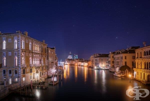 Звездна нощ във Венеция.