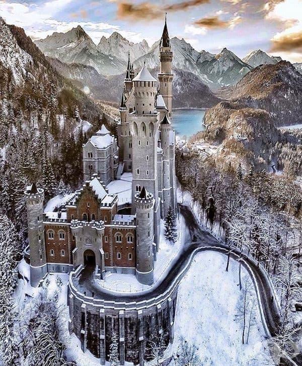 Замъкът Нойшванщайн в Германия.