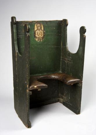 """""""Вълшебният стол на Палермо"""" (1701г.- 1830г.) се правел специално по поръчка и се предавал от поколение на поколение."""