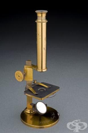 """Съставен микроскоп с един окуляр на компания """"S. Pl?ssl and Company"""""""