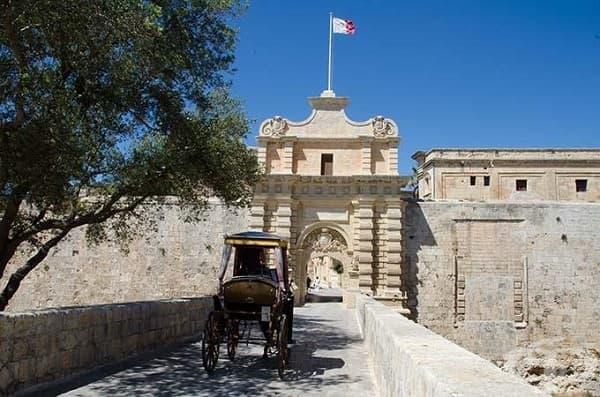 Портата Мдина, Малта