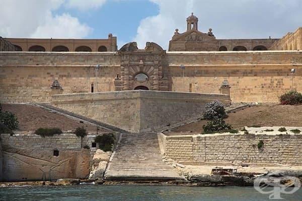 Пристанището Маноел, Малта