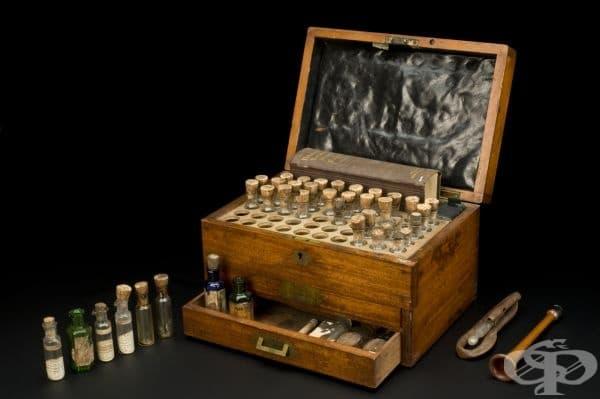 Сандъче с хомепатични лекарства от 70-те години на 19 век
