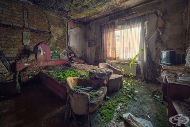 Изоставена хотелска стая