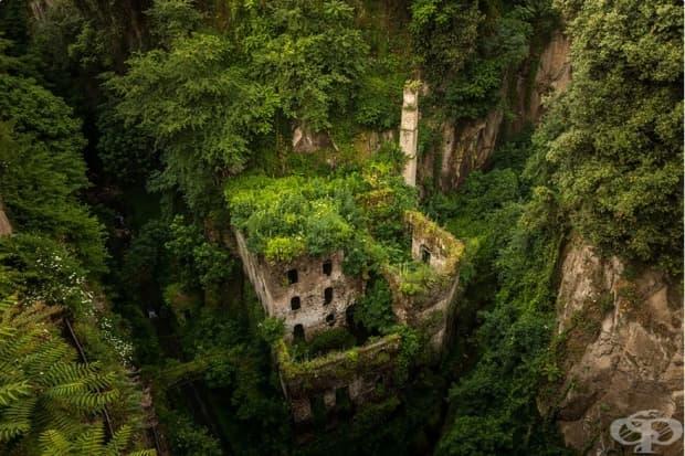 Изоставена мелница, Соренто, Италия
