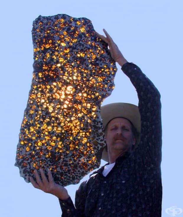Метеоритът Фуканг, ценен дар от Вселената. Предполага се, че е на около 4.5 милиарда години.