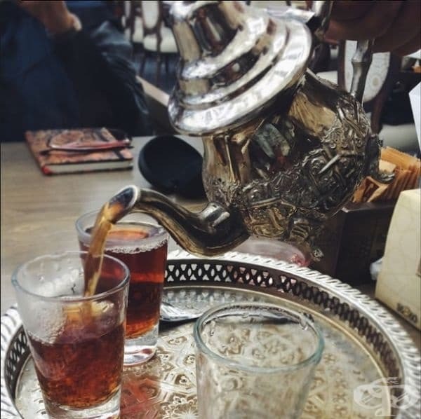 Египет - Египтяните обичат черен чай без захар. Чаят от хибискус е запазен за сватбени тържества.