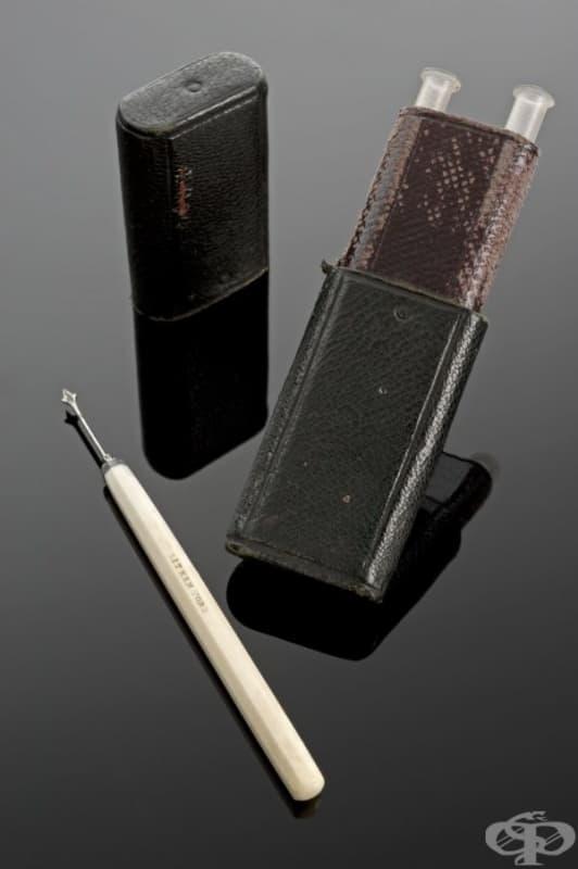 Старинен уред за ваксинации срещу едра шарка