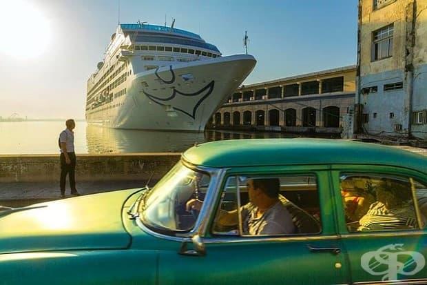 Любопитство към задаващия се символ на предстоящата промяна: за първи път от почти четири десетилетия американски круизен кораб плава в Хавана Бей.