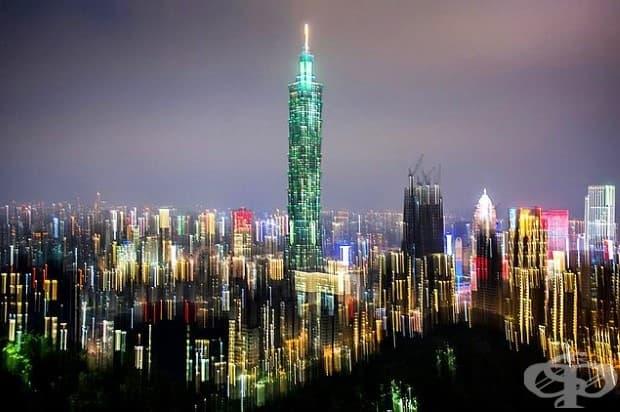 Столицата на Тайван – Тайпе - се оживява, когато слънцето залезе.
